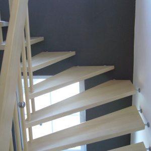 Treppe Ahorn weiß