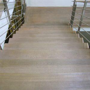 Treppe Eiche gefärbt
