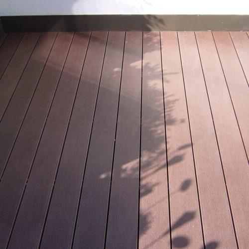 WPC massiv Diele Holzstruktur dunkelbraun1