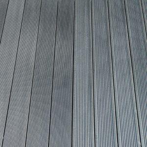 WPC massiv Diele fein / grob gerillt grau